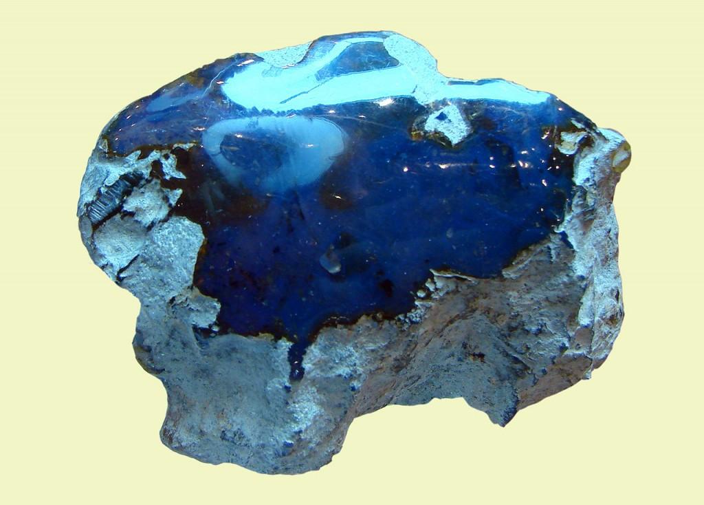 Ambre bleu dominicain (©Vassil)