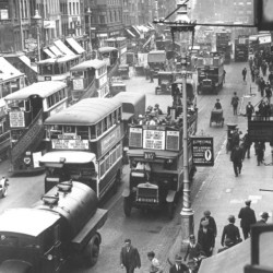 Trafic dans Shoreditch en 1929 (Photo by Fox Photos Getty Images)