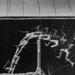 Etienne-Jules Marey (1830-1904) - chronophotographie d'un homme homme sautant à la perche