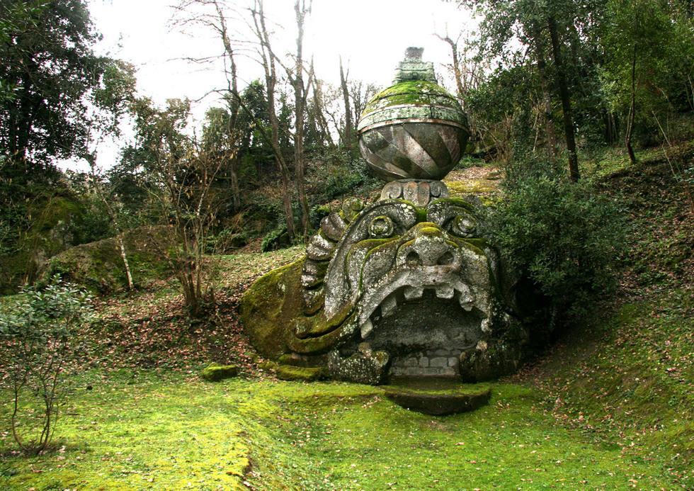 Gardens of bomarzo memento for Jardines de bomarzo