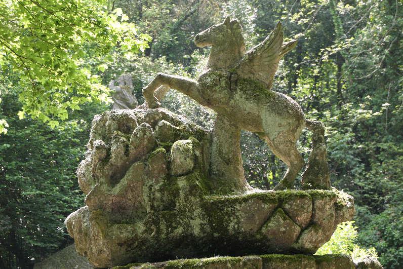 Les jardins de bomarzo memento for Jardines de bomarzo