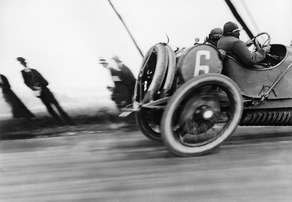 Une Delage au Grand Prix de l'Automobile Club de France, circuit de Dieppe, 26 juin 1912 – Jacques Henri Lartigue