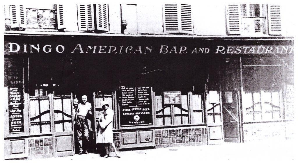 Le Dingo bar - Rendu célèbre par Ernst Hemingway dans « Paris est une fête »,  au comptoir duquel il rencontra Francis Scott Fitzgerald.