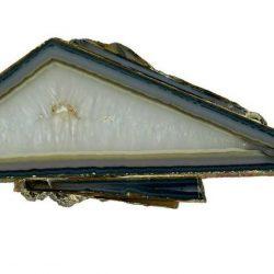 """""""Agate paradoxale"""" avec coupe polygonale de quartz ; collection de Roger Caillois, Muséum d'Histoire Naturelle, Paris."""