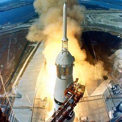 Lancement de la fusée Saturn V de la mission Apollo 11 au cours de laquelle, pour la première fois, des hommes se sont posés sur la Lune, le 20 juillet 1969.