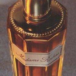 Image extraite de l'ouvrage Le Parfum - L'un des sens, XXe XXIe siècle de Marie-Christine Grasse, avec des textes d'Elisabeth de Feydeau et Freddy Ghozland, préfacé par Jean-Pierre Leleux. (photo © Charles Duprat)