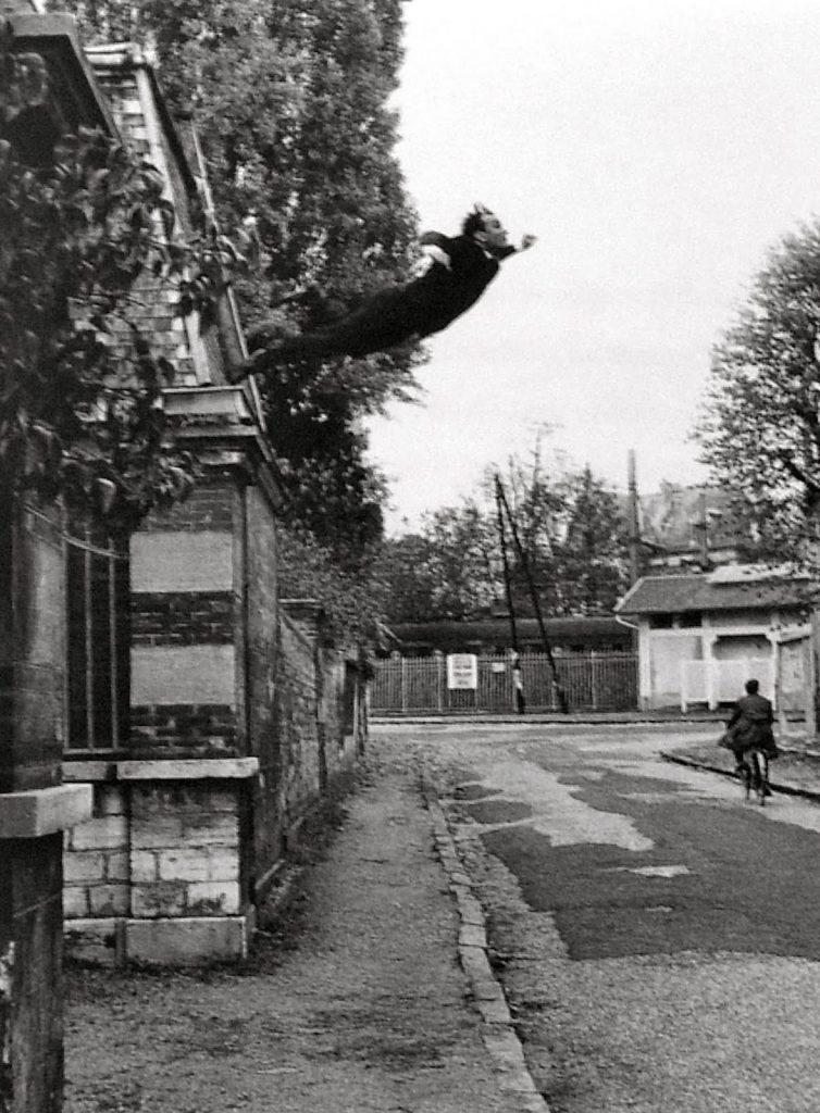Yves Klein (1928-1962) - Saut dans le vide (1960)