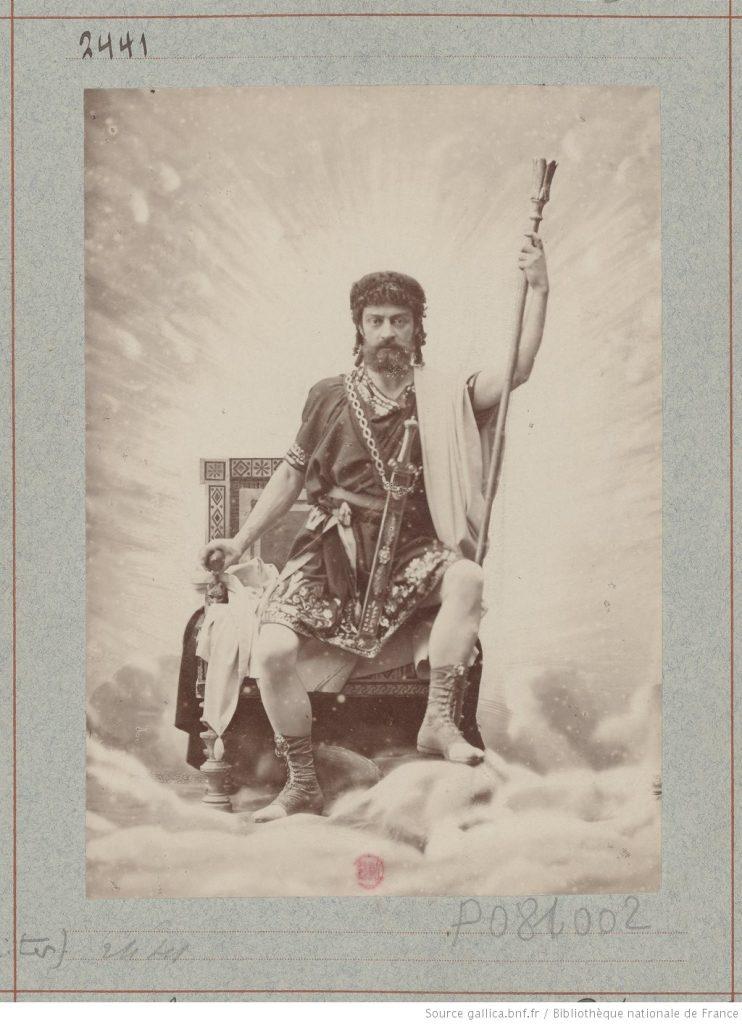 Mounet-Sully Amphitryon - (photographie tirage isuu de l'Atelier Nadar (source Bibliothèque Nationale de France - Gallica)