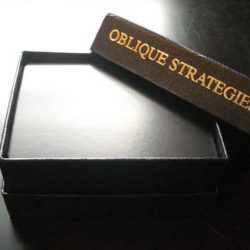 Stratégies obliques: un jeu de 113 cartes pour changer la donne...