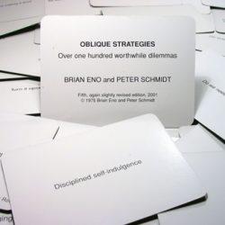 Le jeu de cartes des stratégies obliques de Brian Eno et Peter Schmidt